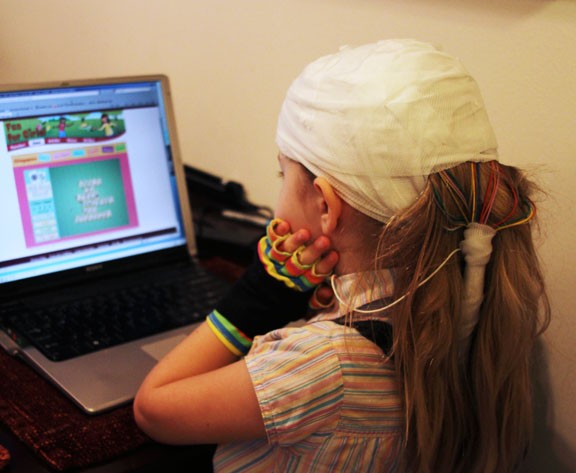 Playing at home during EEG